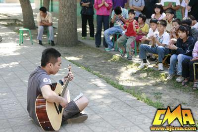 """我院学生走进""""光爱儿童之家""""-北京现代音乐研修学院"""