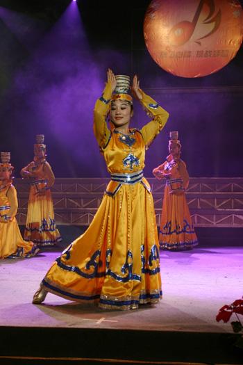 中国舞专业-民族民间舞六年制教材二年级第一学期(蒙族舞、东北秧歌)女班