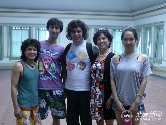 朱海峰,王国玲老师及学生与节奏大师fernando-barba