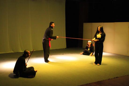 北京现代音乐学院2012北京国际青年戏剧节参演话剧《渊》成功首演