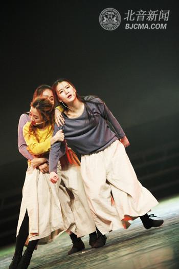 北京现代音乐研修学院国际舞蹈学院2012级毕业汇报演出温情上演