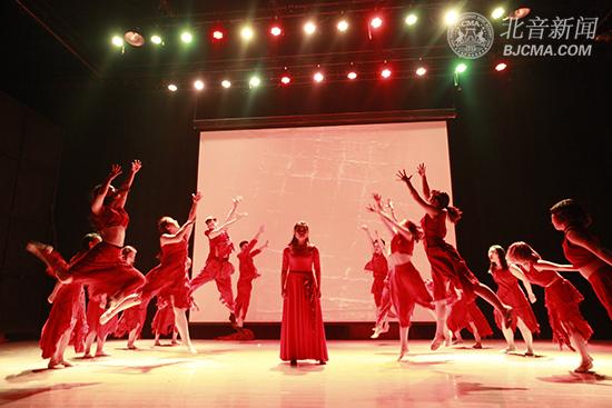 北京现代音乐研修学院音乐剧系2013级剧目汇报演出精彩上演