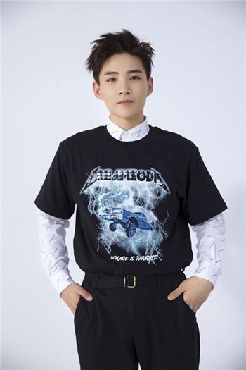 《创造营2019》实力vocal李鑫一首支单曲《陪我做梦》人气炸裂