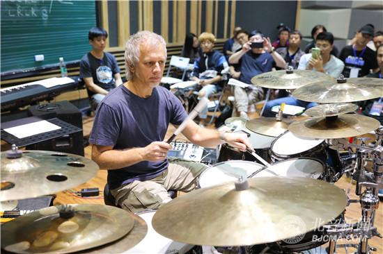 第五届北京国际鼓手节福利!世界级鼓王Dave Weckl师资课精彩举行