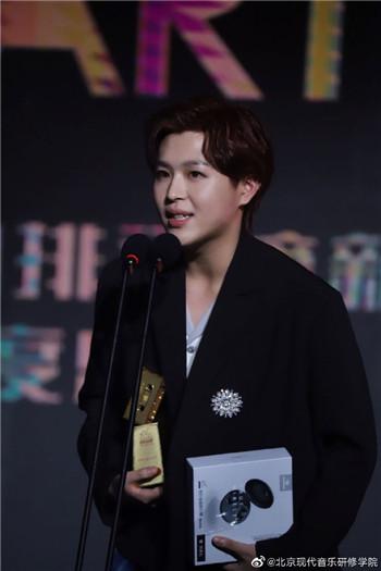 2019流行金曲排行榜年度盛典 朱星杰、孟子坤、赵晔等北音学子荣获多个奖项